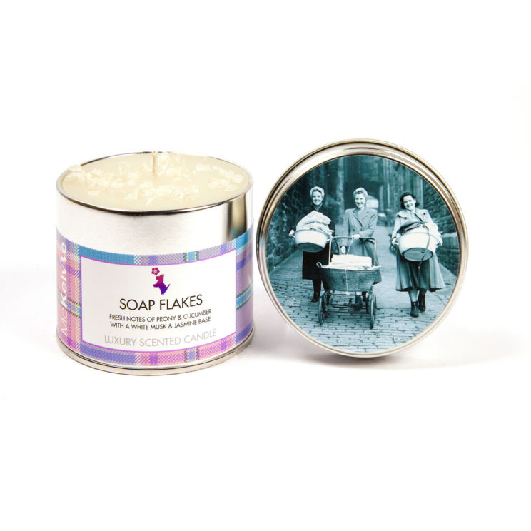 Soap Flakes Scented Candle Tin